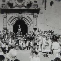 Un 8 de septiembre de la década de 1960 / Procesión, danzas y gaiteros